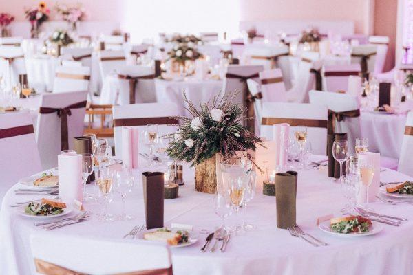 Adell Decor - kvetiny na stole
