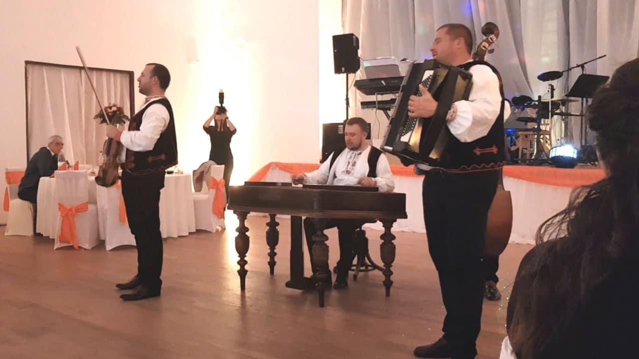 cimbalovka tomáša uličného hrá na svadbe