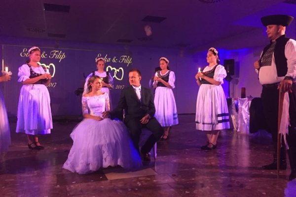 svadobný pár slovanské tradície