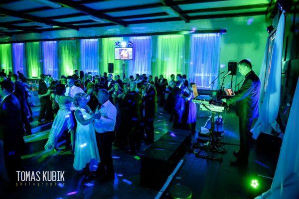 DJ Ján Haliena zabáva svadobčanov
