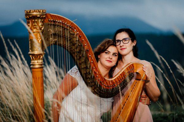 Múzy tvorivé - Umelecké zoskupenie - v poli s harfou