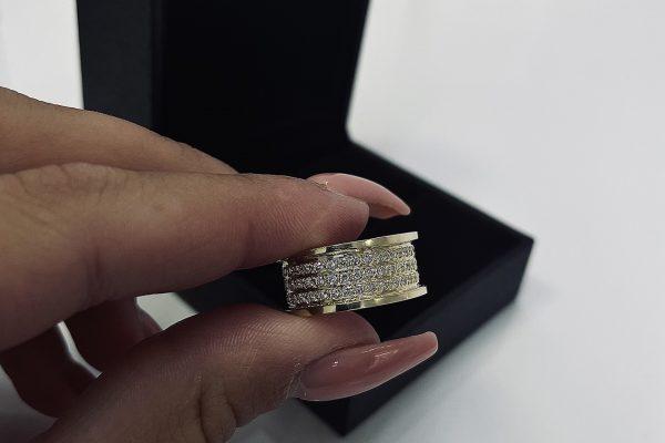 Šperk-Karen - Svadobné obrúčky a šperky na mieru - obrúčka s kameňmi