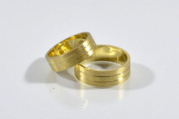 Šperk-Karen - Svadobné obrúčky a šperky na mieru - detail na zlaté svadobné obrúčky